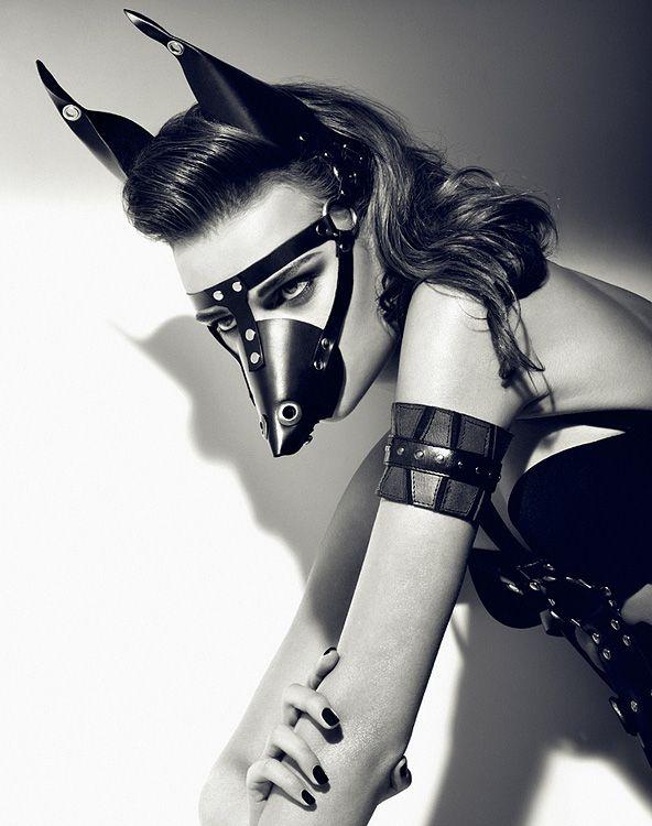 Pony Play : Le mors vous va si bien #Marianne